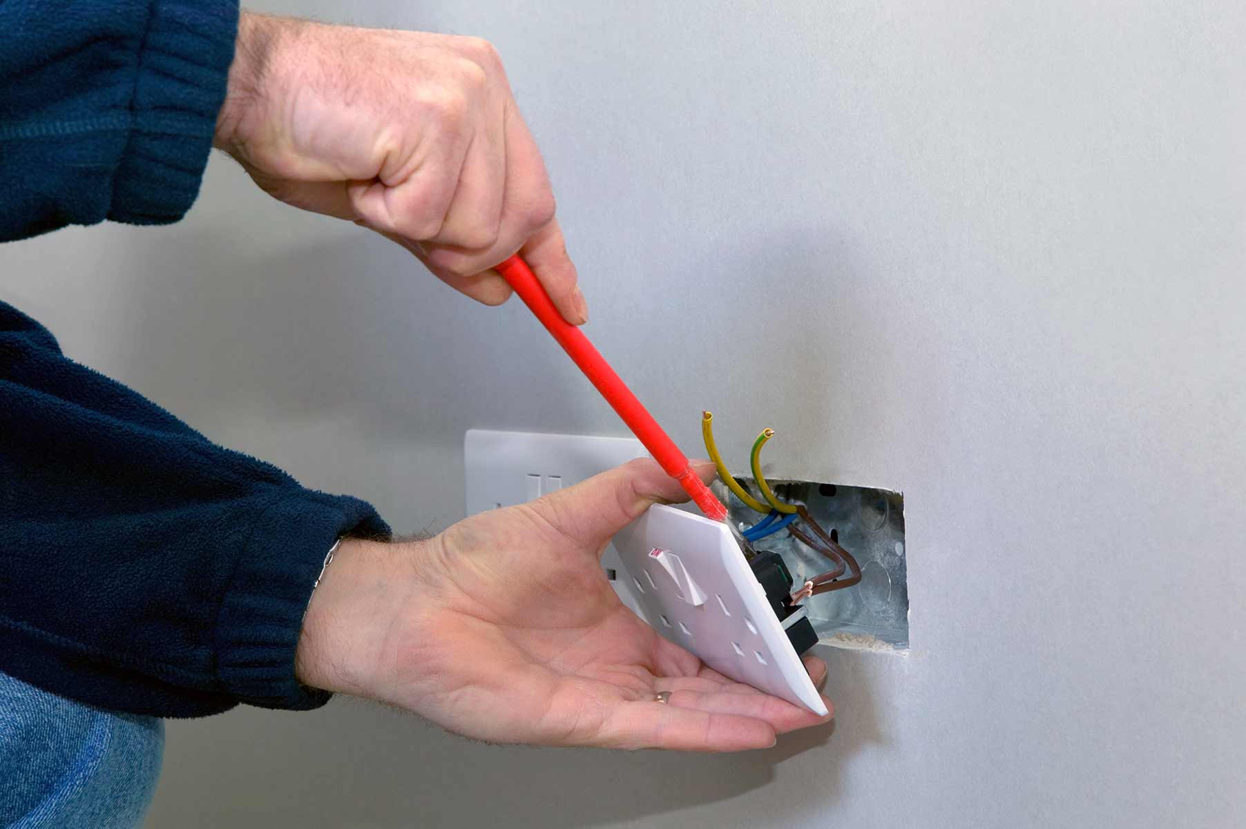 Our electricians can install plug sockets for domestic and commercial proeprties in North Weald and the local area.